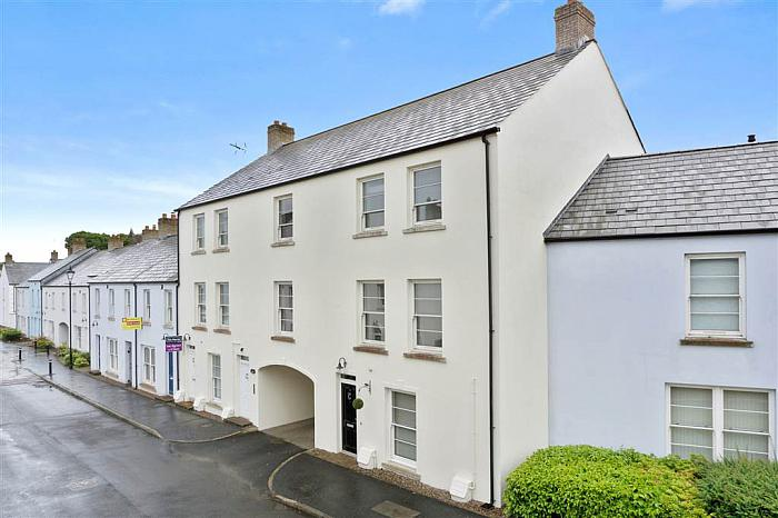 11 Mill Road, BALLYNAHINCH